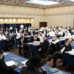 YK15 Day 3 Rav Eliezer Yehuda Finkel with partial crowd