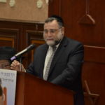 Rabbi Dovid Ozeirey giving words of inspiration and chizuk to the entire community in Panama