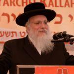 Harav Matisyahu Deutsch, Rav, Ramat Shlomo giving a shiur halacha on Mitzvas Tzrichos Kavana at the 16th Agudas Yisroel Yarchei Kallah