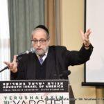 Rabbi Shlomo Gottesman Giving Hachana Shiur